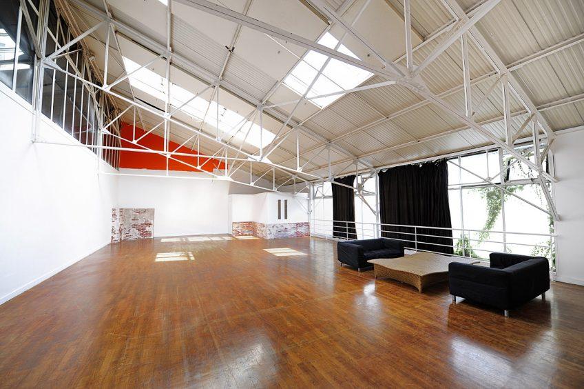 Studio 6 : 170m2, lumière du jour