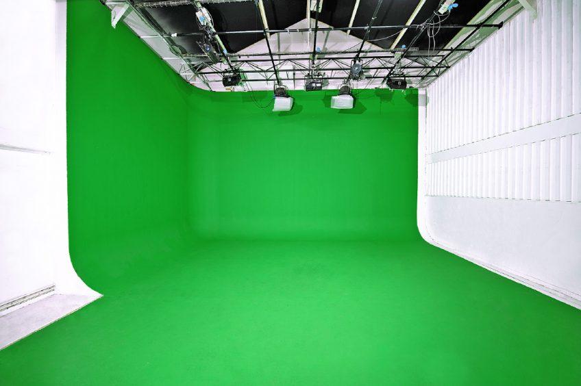 Studio 8 : 70m2