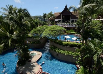 Novotel Phuket Resort by the beach
